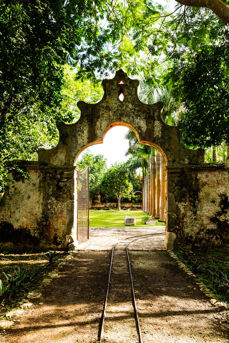 014-Chris-Hunt-Travel-Photography-Mexico-Yucatan-Hacienda-Ochil-0060